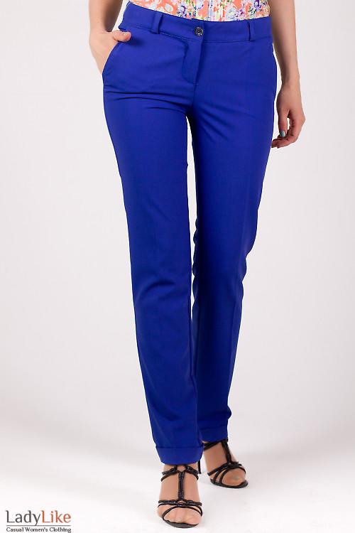 Фото Брюки с манжетами синие Деловая женская одежда