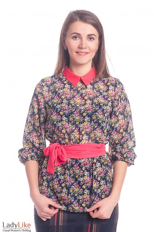 Блузка синяя в цветы с красным воротником Деловая женская одежда