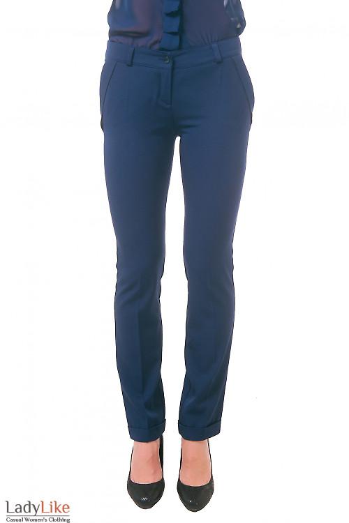 Фото Брюки синие с клапанами и манжетами Деловая женская одежда