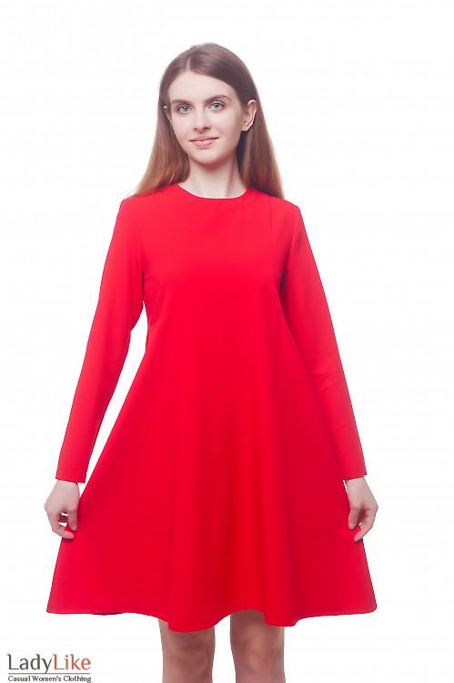 Нарядное яркое красное платье свободного кроя