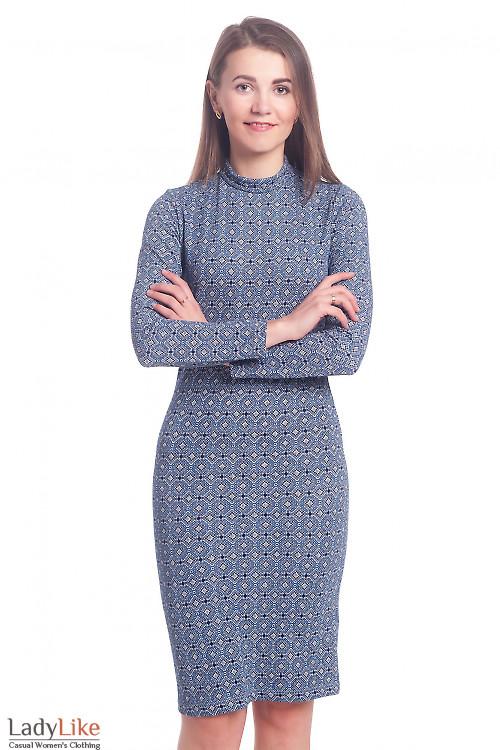 Платье в синий орнамент со стойкой Деловая женская одежда