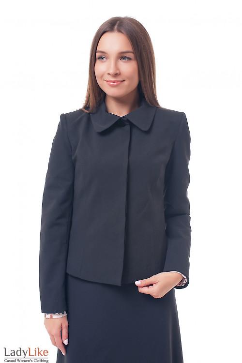 Жакет черный с круглым воротником и закрытой планкой Деловая женская одежда фото