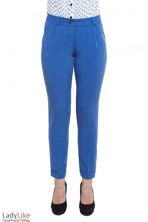 Брюки с защипами под джинс Деловая женская одежда фото