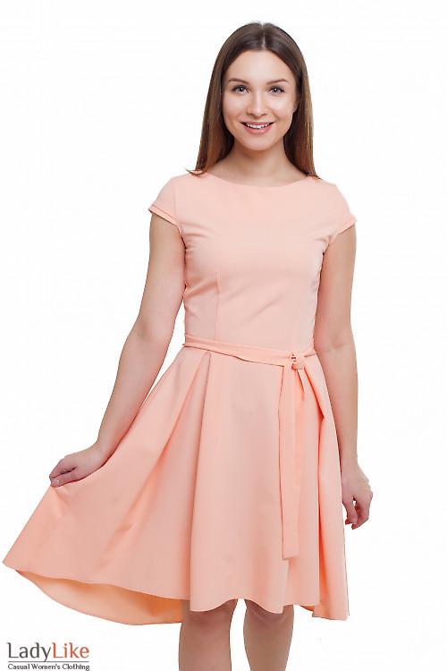 Платье персикового цвета Деловая женская одежда фото