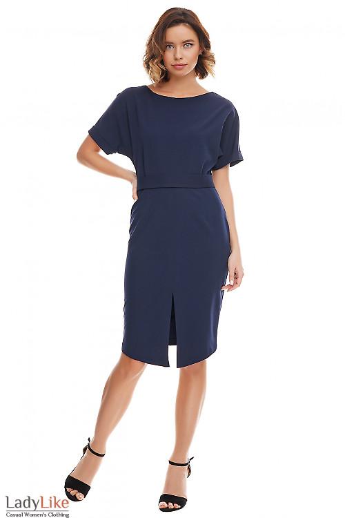 Платье синее с асимметричным низом. Деловая женская одежда фото