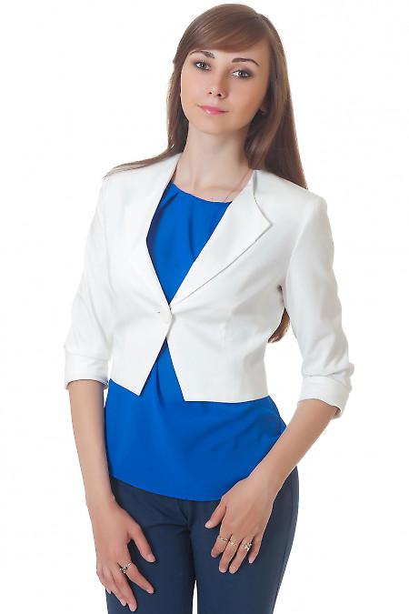 Жакет короткий белый с одной пуговицей Деловая женская одежда