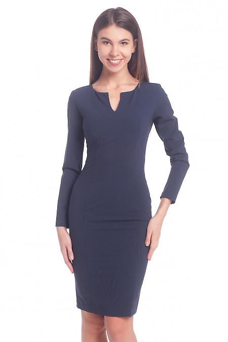 Платье в полоску с разрезом на груди Деловая женская одежда