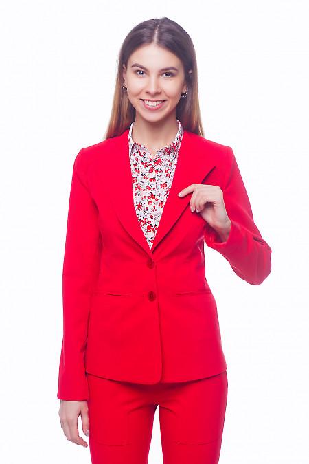 Жакет красный с латкой на плече Деловая женская одежда