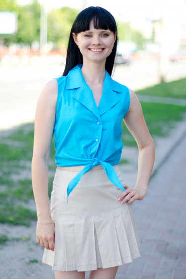 Блузка голубая на завязках Деловая женская одежда