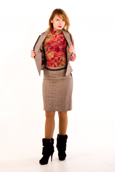 Фото Юбка из коричневого твида Деловая женская одежда