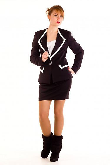 Фото Жакет черный трикотажный с белыми вставками Деловая женская одежда