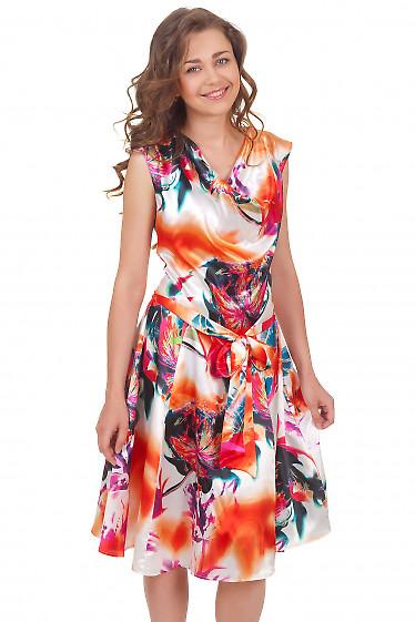 Платье атласное с качелькой у горловины Деловая женская одежда