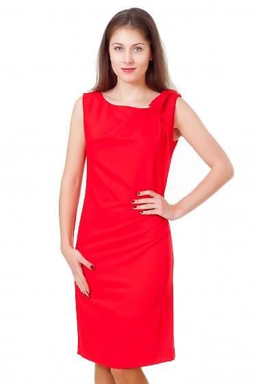 Платье красное с бантиком на плече Деловая женская одежда